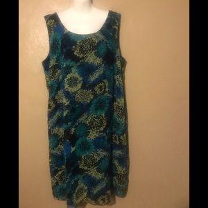 ☄️Yes only $10☄️ Dana Kay patterned dress size 22W
